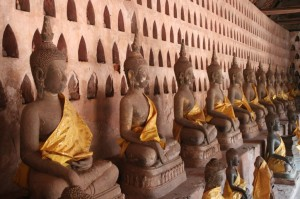Galerie des Bouddhas à Wat Sisaket