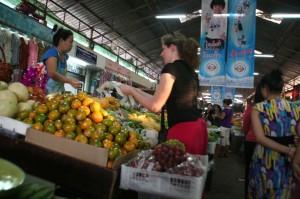 Au marché de ..., puis-je acheter des oranges? Oui!