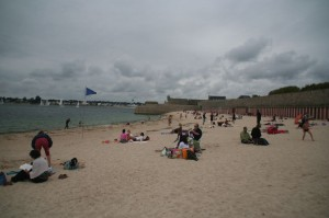 Port-Louis sa plage (il fait froid!)