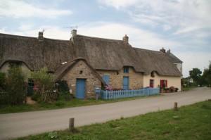 Maison avec toit de chaume à Bréca